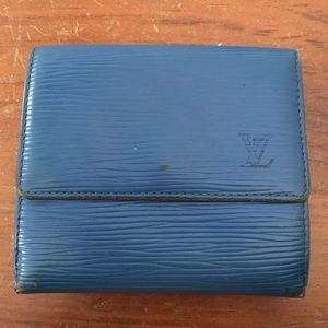 LV snap wallet
